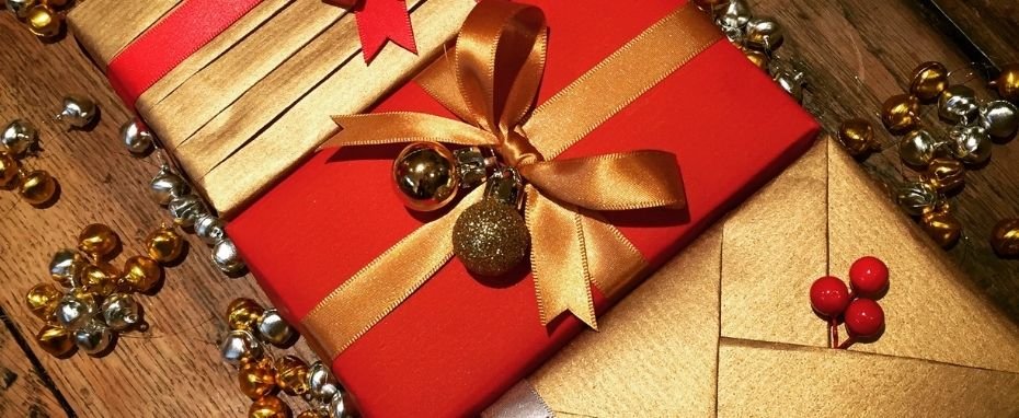 Luxury Christmas Gift Wrapping with Louise Coulthard